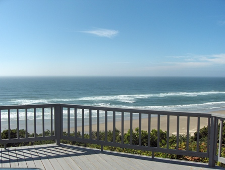Beach Views - Newport Oregon Beach House Retreat - Luxury Oceanfront